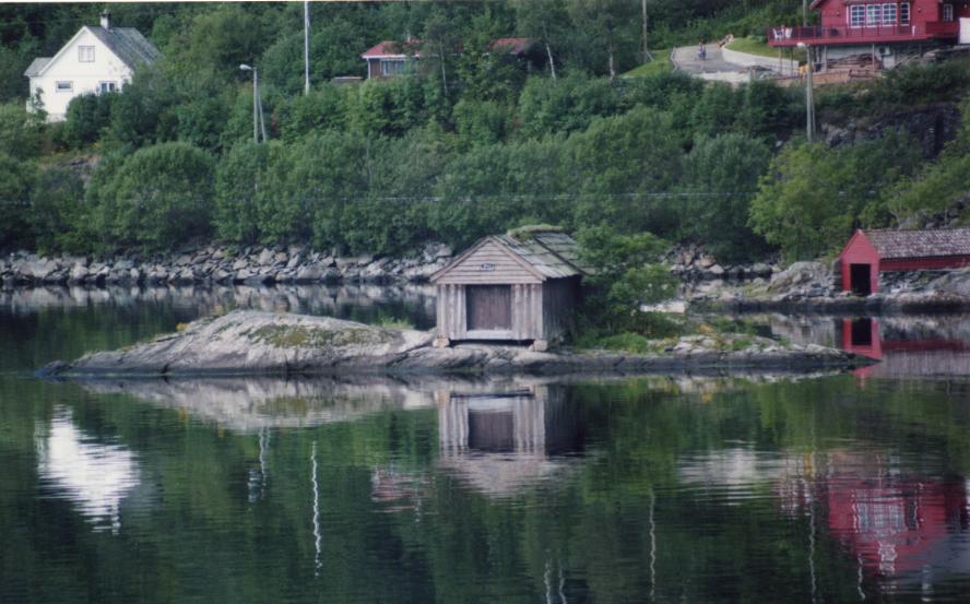 Vers Tysse, cabanon sur le fjord