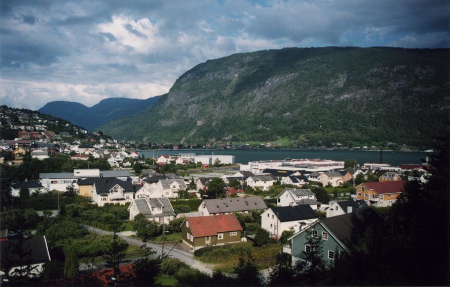Une vue générale de Sogndal depuis les hauteurs
